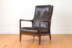 Mid Century Milo Baughman Wood Framed Recliner Lounge Chair. #AmandaJaneJones