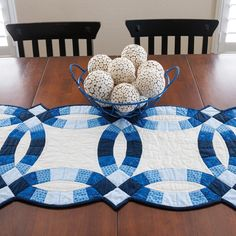 The GO! Classic Double Wedding Ring Table Runner made with the GO! Big Double Wedding Ring die!
