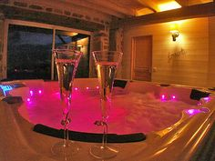 Romantic Night in the Jacuzzi at Les Instants Voles Guesthouse Romantic Hotel Rooms, Romantic Bath, Romantic Escapes, Romantic Night, Breakfast Around The World, Bed And Breakfast, Limousin, Neon Lights Bedroom, Pretty Pink Princess