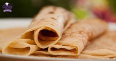 Dutch pancakes (pannenkoeken) are kind of a cross between an American pancake and a French crêpe. In the Netherlands pancakes are often eaten for dinner. Dutch Pancakes, Thin Pancakes, Baked Pancakes, Buttermilk Pancakes, Dutch Recipes, Belgian Recipes, Amish Recipes, German Recipes, Pannekoeken Recipe