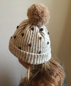 Free crochet patterns: LAdies' bobbly hat on LoveCrochet