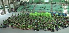 Cientos de estudiantes de escuelas públicas en Puerto Rico...