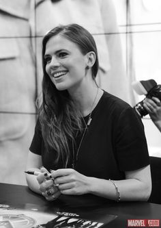 SDCC 2014: Hayley Atwell at the Agent Carter Signing at the Marvel Booth