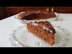 Cake with chocolate praline! Easy Desserts, Pie, Chocolate, Recipes, Food, Cakes, Youtube, Deserts, Greek Recipes