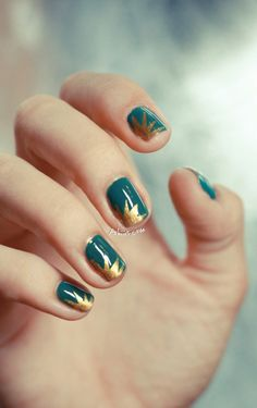 Teal Nails with Gold Explosion by Pshiiit