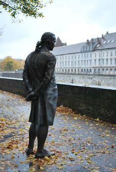 Jouffroy d'Abbans comtemple le Doubs à Besançon
