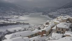 Winter season in Abruzzo. The magic of mountain villages Mountain Village, His Travel, Real Estate Companies, Winter Scenes, Winter Snow, Winter Season, Old Houses, Explore, History