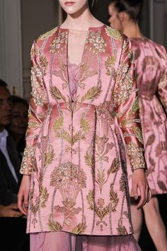174 details photos of Valentino at Couture Fall 2012.