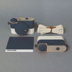 creative toy Wooden cameras- perfect for little photographers!side knobs for strap Baby Toys, Kids Toys, Fall Paper Crafts, Wooden Camera, Web Design, Toy Camera, Woodworking For Kids, Christmas Toys, Christmas 2016