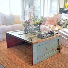 Table basse DIY réalisée à partir de portes