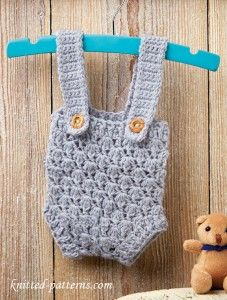 Baby dungarees: Free Crochet Pattern