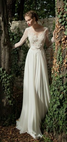 ナチュラルで可愛い!!スレンダードレスは春のガーデンウェディングにぴったり♡にて紹介している画像