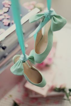 Mint shoes with bows