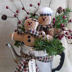 Gingerbread Man Holiday Centerpiece