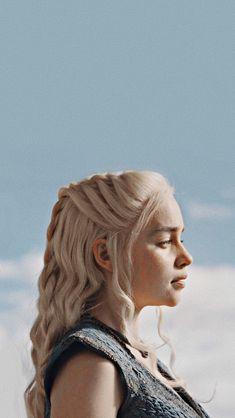 Daenerys Targaryen Wallpaper … – Creative Dress Of College Game Day Arte Game Of Thrones, Game Of Thrones Facts, Game Of Thrones Funny, Game Thrones, Emilia Clarke Daenerys Targaryen, Game Of Throne Daenerys, Daenerys Targaryen Aesthetic, Daenerys Targaryen Art, Targaryen House