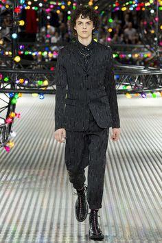 Dior Homme Spring/Summer 2017 Menswear Collection | British Vogue