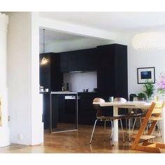 A view to a new Kvik kitchen ❤️ Cred: @hanne_sofie #kvikkitchen #kvik #kitchen…