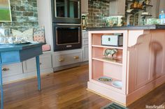 House Beautiful Kitchen of the Year - Ken Fulk Kitchen Design Small Kitchen Redo, Hidden Kitchen, Kitchen Furniture, Kitchen Decor, Kitchen Design, Kitchen Ideas, Pink Cabinets, Ken Fulk, Beautiful Homes