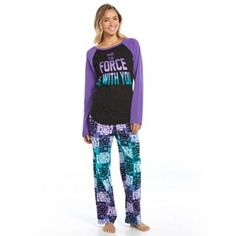 These are definitely the pjs you've been looking for. Comfy microfleece pants and fun Star Wars graphics make these juniors' pajamas a must-have. Onesie Pajamas, Cute Pajamas, Pajamas Women, Pyjamas, Lazy Day Outfits, Cool Outfits, Funny Christmas Outfits, Christmas Clothes, Katies Fashion