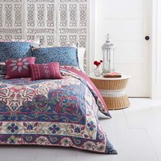 • 100% cotton<br>• Decorative tie detail<br>• Reversible from floral to striped<br><br>The Darby Way Duvet Cover and Sham Set in Red from Beekman 1802 FarmHouse is inspired by a mahogany red deck overlooking a field of flowers. This duvet set is perfect for nestling into for a long night's sleep.
