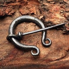A Penannular Broach Is A Perfect Way To Add A Bit Of Nordic History Into  Youru2026 | Slightly Medieval | Pinterest | Blacksmithing, Blacksmith Projects  And ...