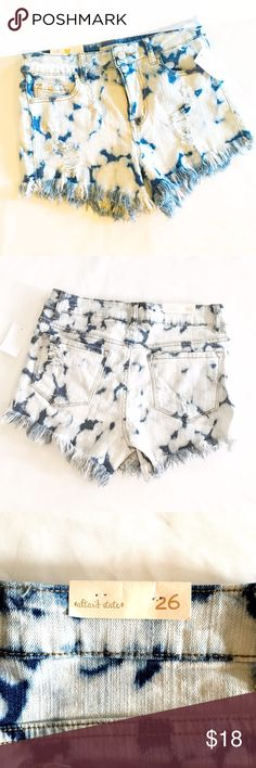 Altar'd State Shorts NWT 😎 NWT Altar'd State shorts- distressed size 26. Altar'd State Shorts Jean Shorts