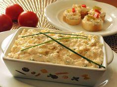 Tvaroh vyšleháme s máslem a mlékem. Přidáme na jemno nastrouhané tvarůžky a cibuli nakrájenou nadrobno.Přimícháme koření a dosolíme podle chuti.... Korn, Risotto, Zucchini, Treats, Chicken, Vegetables, Ethnic Recipes, Recipies, Red Peppers
