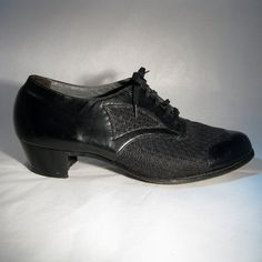 Vintage 1930s Black Oxford Shoes...my grandmother always wore these!
