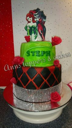 Harley Quinn and poison ivy cake