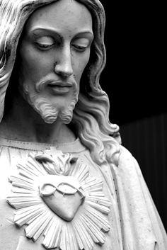 Jesus Christ statue (author ???):