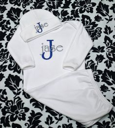 Personalized Baby Boy Short or Long Sleeve Bodysuit / Gown and Matching Hat Laytte Set - Coming Home Outfit months on Etsy, Sold Little Babies, Little Ones, Cute Babies, Baby Wearing Wrap, Newborn Coming Home Outfit, Long Sleeve Bodysuit, Personalized Baby, Embroidery Ideas, Big Boys