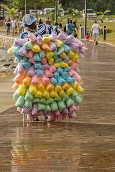 Cotton candyman in St. James..