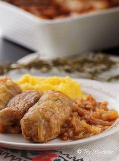 Sarmale de post cu ciuperci, o mancare simpla, savuroasa si satioasa, o mancare care nu mai are nevoie de nici o prezentare laudativa... Romanian Food, Cabbage Rolls, Plant Based Diet, Vegetarian Recipes, Pork, Veggies, Food And Drink, Tasty, Beef