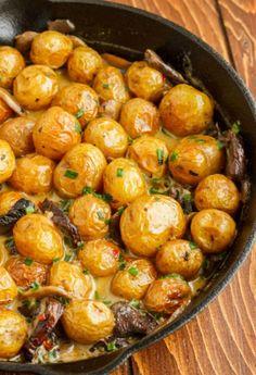 Baby Potatoes in a Homemade Mushroom Sauce Roasted baby potatoes in a homemade mushroom cream sauce.Roasted baby potatoes in a homemade mushroom cream sauce. Side Dish Recipes, Vegetable Recipes, Vegetarian Recipes, Cooking Recipes, Healthy Recipes, Ham Recipes, Recipies, Dinner Recipes, Paleo Food