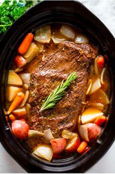 Best Pot Roast, Best Roast Beef, Slow Cooker Desserts, Slow Cooker Recipes Family, Pot Roast Recipes, Game Recipes, Pot Roast Sauce Recipe, Recipe For Chuck Roast, Chuck Roast Recipes