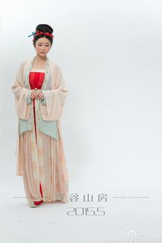 【春谷山房】 Traditional Chinese fashion in Song dynasty style.