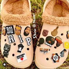 Crocs Fashion, Sneakers Fashion, Jordan Shoes Girls, Girls Shoes, Cute Sneakers, Shoes Sneakers, Fluffy Shoes, Streetwear, Fresh Shoes