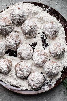 Easy Chocolate Peppermint Snowball Cookies that are made gluten-free with almond flour and sweetened with coconut sugar and organic powdered sugar. Gluten Free Cookie Recipes, Gluten Free Cookies, Gluten Free Baking, Gluten Free Desserts, Baking Recipes, Real Food Recipes, Dessert Recipes, Chocolate Snowballs, Dessert Chocolate