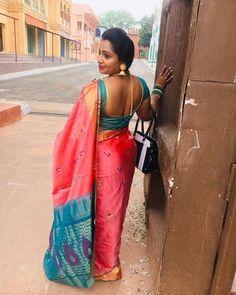 Indian Beauty Saree, Indian Sarees, Silk Sarees, Indian Long Hair Braid, Saree Backless, Nauvari Saree, Blue Saree, Sexy Legs And Heels, Saree Look