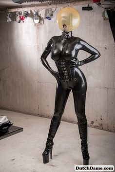 latex catsuit anziehen italienischen sex