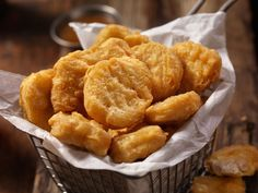 Homemade McDonalds Style Chicken Nuggets with just a few healthy ingredients! Try these the next time your family wants the fast food version. Baking Recipes, Dog Food Recipes, Chicken Recipes, Snack Recipes, Snacks, Dinner Recipes For Kids, Healthy Dinner Recipes, Kids Meals, Cream Cheeses