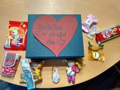 Prüfungsbox für meine liebe Tochter. Mit Liebe gefüllte Box. Ein Schutzengel, Handengel und Süßes zur Motivation.