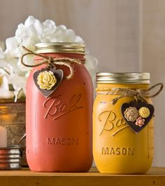 Vintage Inspired Mason Jars   Just add chalk paint to get the vintage look on for this easy DIY Ball jar project