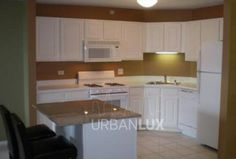 Resort Style River North Spacious 2BR/2BA!  Call Zee Wyatt @ 312-878-2774 x 113
