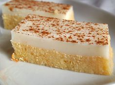 A delicious sweet, combining syrupy sweetness rematch coolness of malempi. Greek Sweets, Greek Desserts, Summer Desserts, Greek Recipes, Custard Desserts, Delicious Desserts, Dessert Recipes, Low Calorie Cake, Gourmet