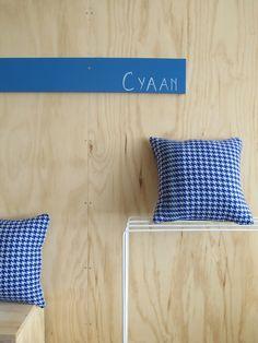 KLEUR. Cyaan / cushion woven by Ilse Acke @La Fabrika