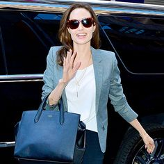 Star Tracks: Monday, November 24, 2014 | BIG APPLE BEAUTY | Angelina Jolie greets the crowd while heading to the Paley Center for Media on Friday in New York City, where she was slated to chat with Tom Brokaw about directing Unbroken.