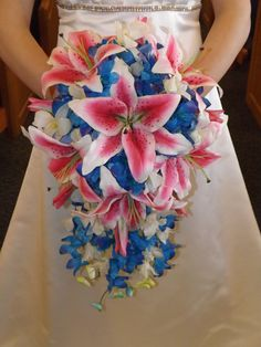 READY TO SHIP Cascading bouquet and par UYFlowersByNicole sur Etsy