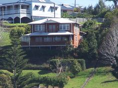 Large Self Contained House with views of the Gold Coast and Brisbane. Paradise Views is a great getaway close to home ! Tamborine Mountain, Beer Factory, Coast Hotels, Tour Tickets, Storey Homes, Close To Home, Once In A Lifetime, Gold Coast, Brisbane