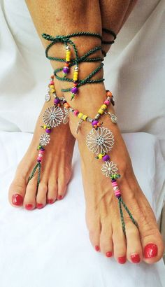 Guarda questo articolo nel mio negozio Etsy https://www.etsy.com/it/listing/454521006/barefoot-sandals-daisy-sunflower